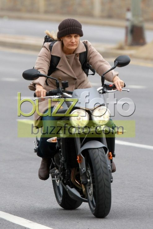 Controfigura di Angelina Jolie Triumph Street Triple-