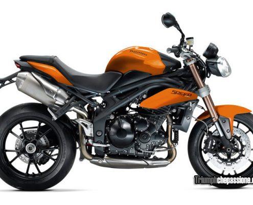 La Speed Triple nel colore Blazing Orange