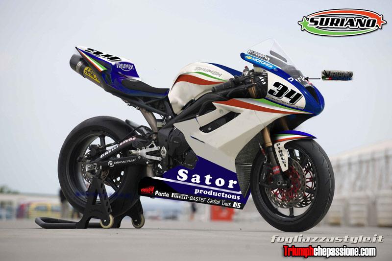 La Triumph Daytona del Suriano Team