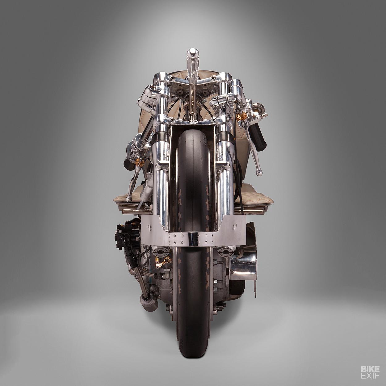 I semimanubri della moto del record di velocità