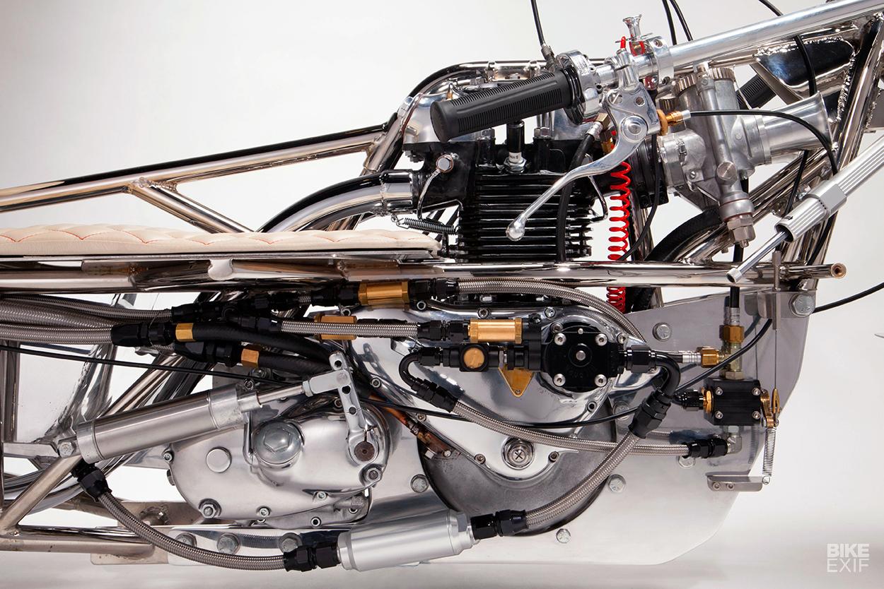 Il motore Triumph di 650 cc di 68 anni fà