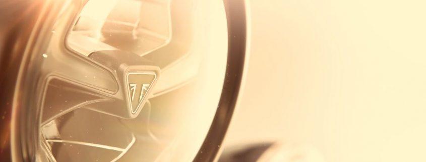 Il faro della nuova Triumph Scrarmbler 1200
