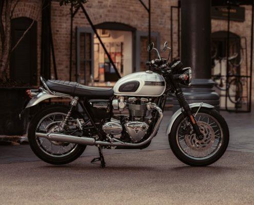 Lato destro della Triumph Bonneville T120 Diamond Edition