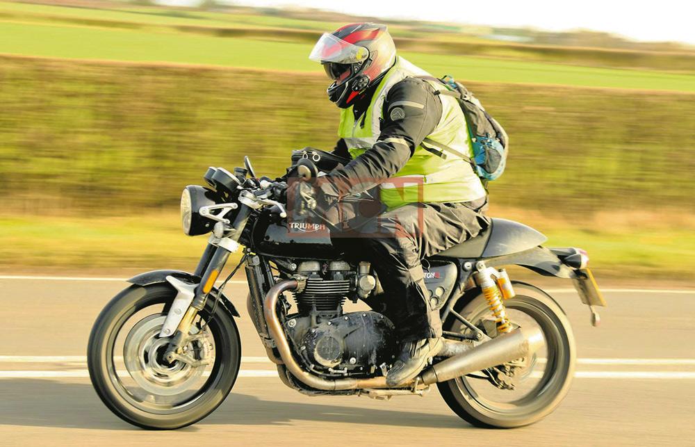 Triumph Thruxton R Black