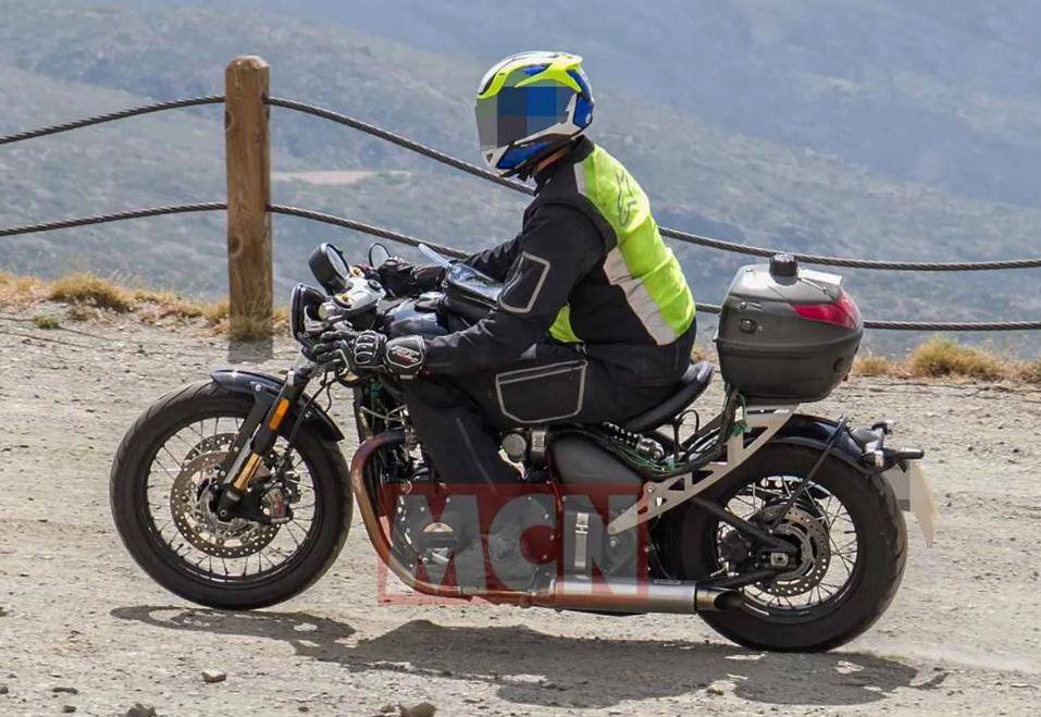 Triumph Bobber R o TFC